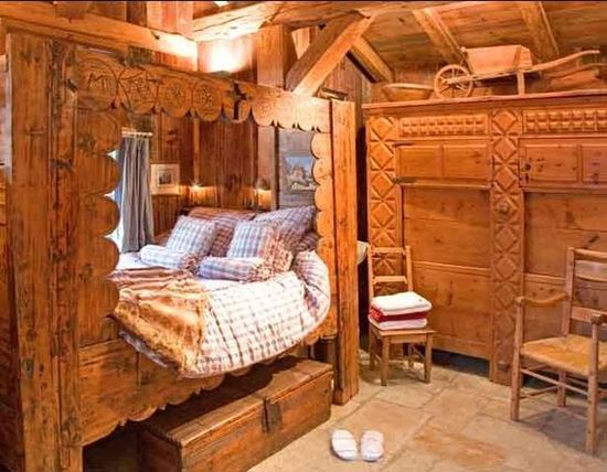 An alpine style bedroom bavarian quilt ideas pinterest for Chambre 9 chamonix