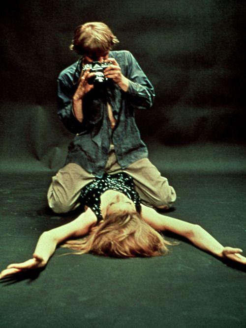 """David Hemmings and his Nikon F in """"Blow-Up"""""""