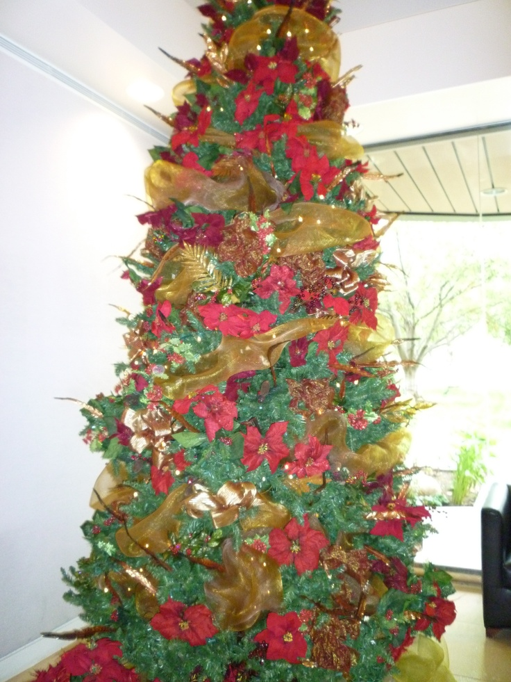 Red and gold christmas tree mele kalikimaka pinterest for Red and gold xmas tree