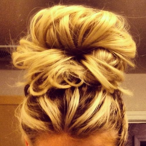 High ponytail and some bobby-pins = fabulous messy bun