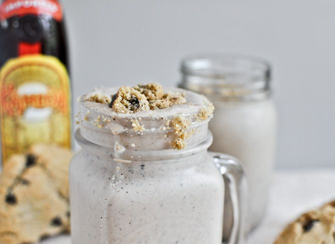 Chocolate Chip Cookie Kahlua Milkshakes...I don't drink, but skip the ...