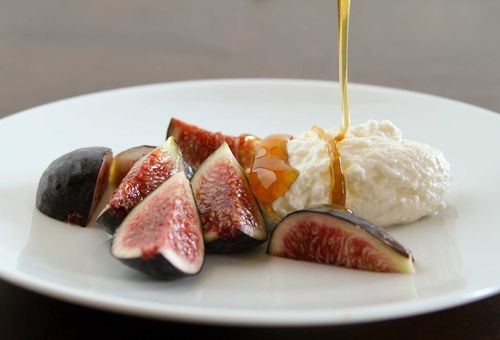 Ricotta, Figs and Honey | Honey and bees | Pinterest