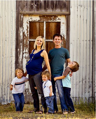family maternity pic