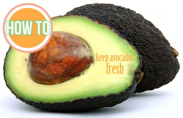How to keep an avocado from going brown. http://fabulesslyfrugal.com/2012/04/money-saving-tips-keeping-avocados-fresh.html