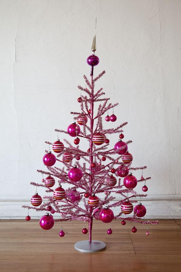 Pink christmas tree holidays and entertaining pinterest - Sapin de noel rose et blanc ...