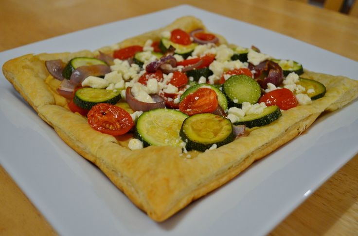 Grilled Vegetable and Hummus Tart | Recipes {zucchini} | Pinterest
