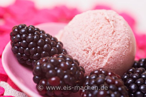 Best Blackberry Ice Cream Ever. | Delicious Ice Cream Images | Pinter ...