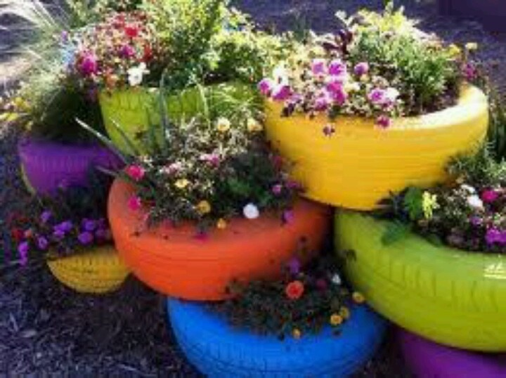 Tire beds outdoor garden beds flower gardens pinterest - Painted tires for flowers ...
