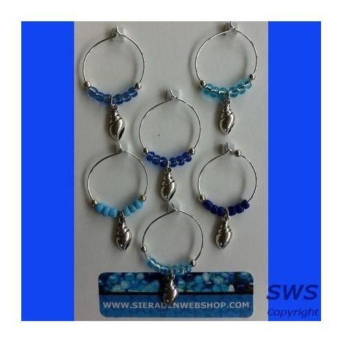 Sieraden, blauwe winecharms met schelpen (wijnglas versiering)