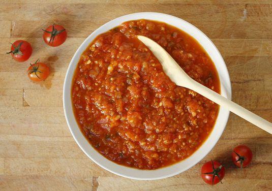 Fresh Tomato Sauce with Red Pepper Flakes & White Wine