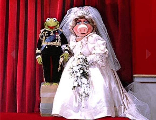 Kermit piggy wedding
