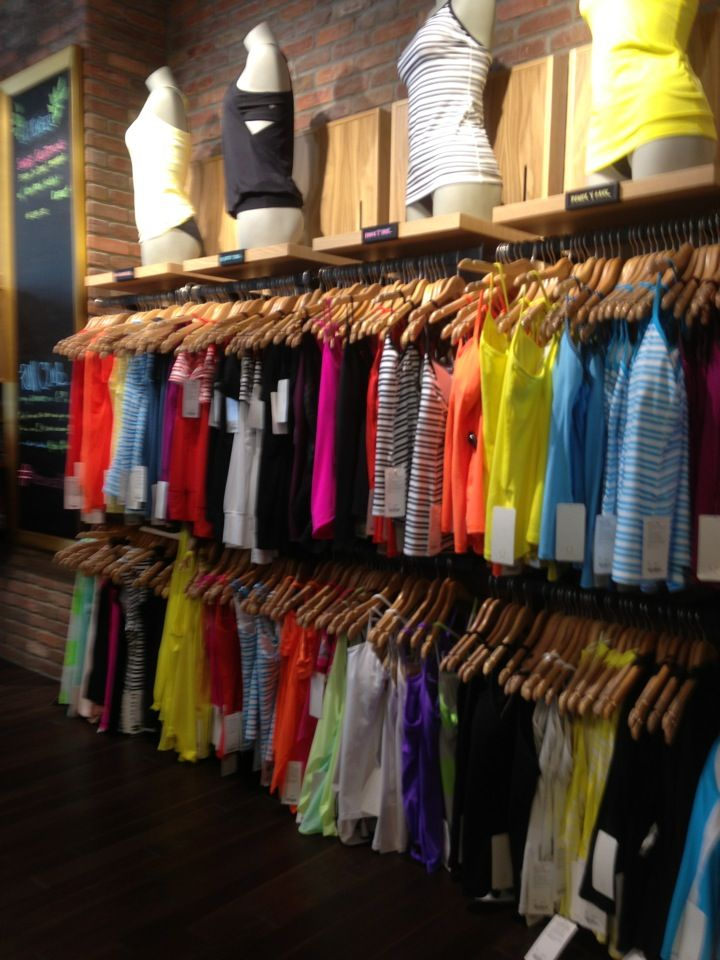 Yoga clothing store. Cheap online clothing stores