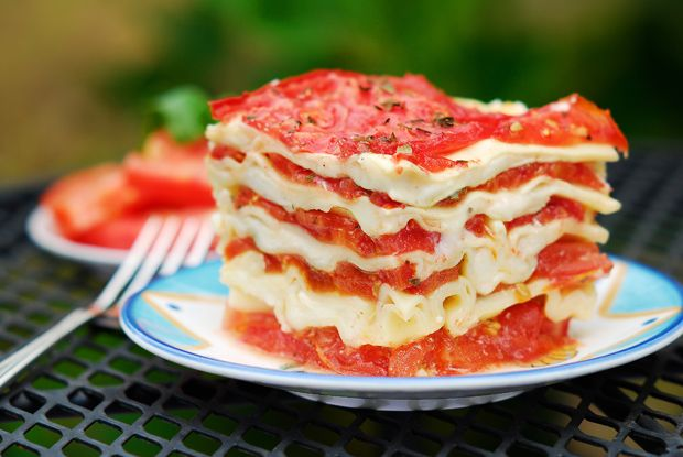 Totally Fresh Tomato Lasagna by woodfiredkitchen #Lasagna #Tomato #woodfiredkitchen