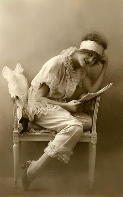 1920s pyjamas
