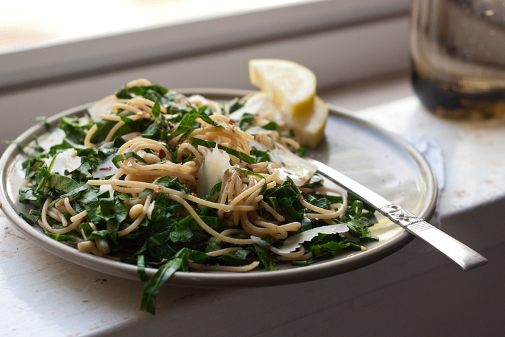 Lemony Collard Greens Pasta with Garlic and Pine Nuts