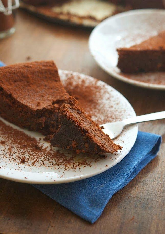 Flourless Chocolate Cake (Paleo - with raw coconut palm sugar ...