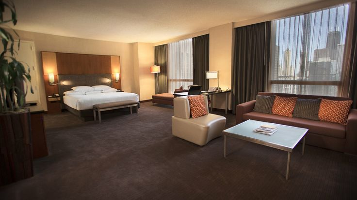 Junior suites at hyatt regency chicago downtown chicago for Rooms in chicago