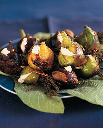 Grilled Figs with Goat Cheese and Prosciutto - Make fragrant skewers ...