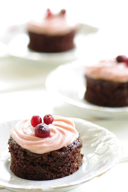 Beet and chocolate cake with cream cheese frosting by Liisi (recipe in ...