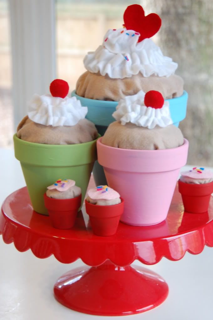 ... Deanna: Giant Cupcakes ~easy to make centerpiece for your next party