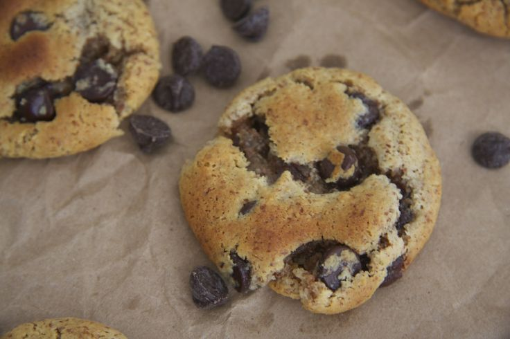 paleo chocolate chip cookies | Food: Flour Based Treats (paleo) | Pin ...