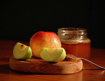 Rosh Hashanah: Here are 5 Crafts & Activities Fun for the Whole Family