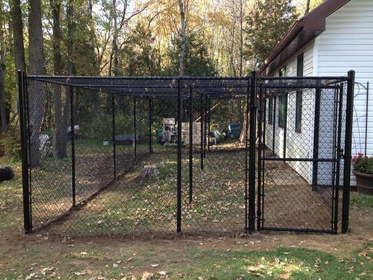 Chain link pet enclosure roma fence our product pinterest for Dog fence enclosure