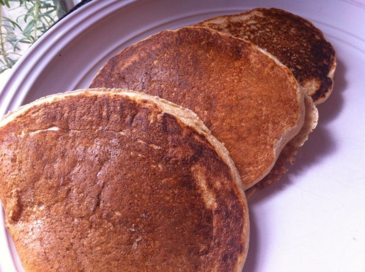 Easy whole wheat pancakes without any oil or sugar! Perfect for a ...