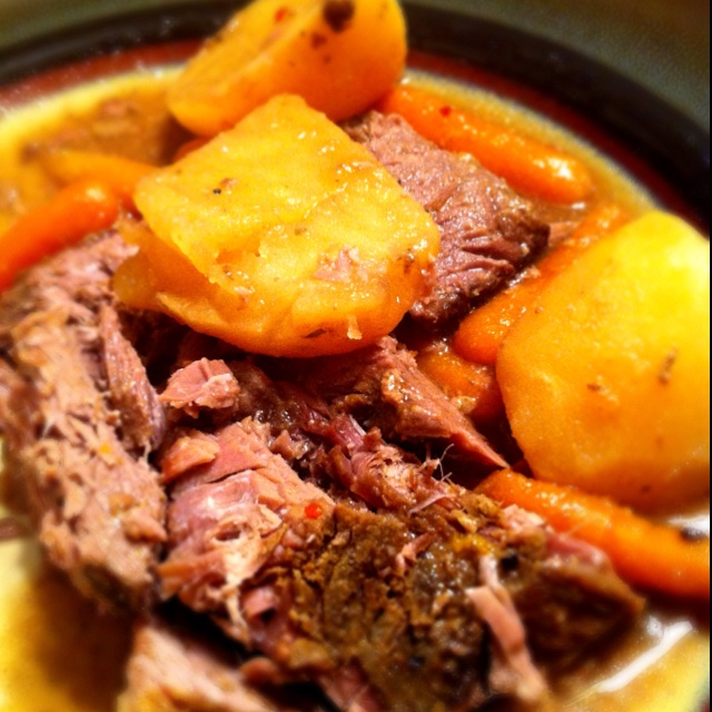 Easy Pot Roast | Tried this, totally recommend it! | Pinterest