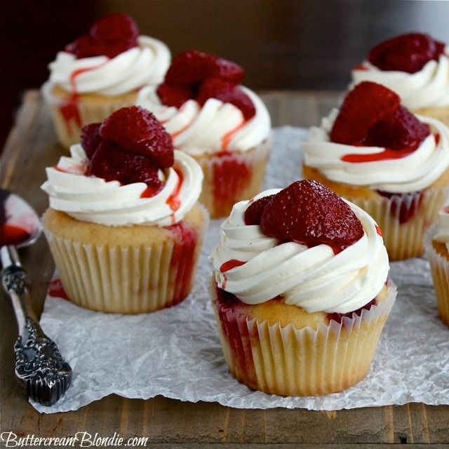Roasted Strawberry and Mascarpone Cupcakes