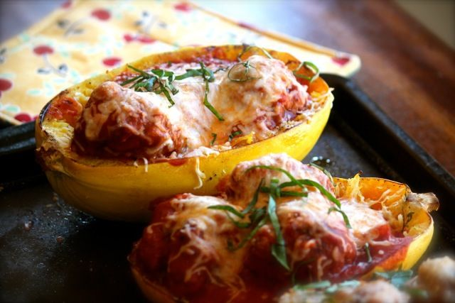 Spaghetti Squash & Meatballs. Made this tonight for dinner....really ...