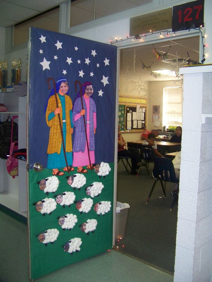 christmas door decorating contest winners the teachers and