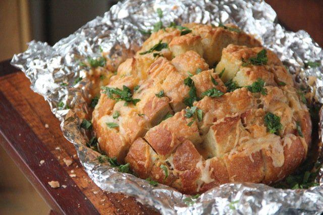 Garlic Cheddar Pull-Apart Bread | Recipe