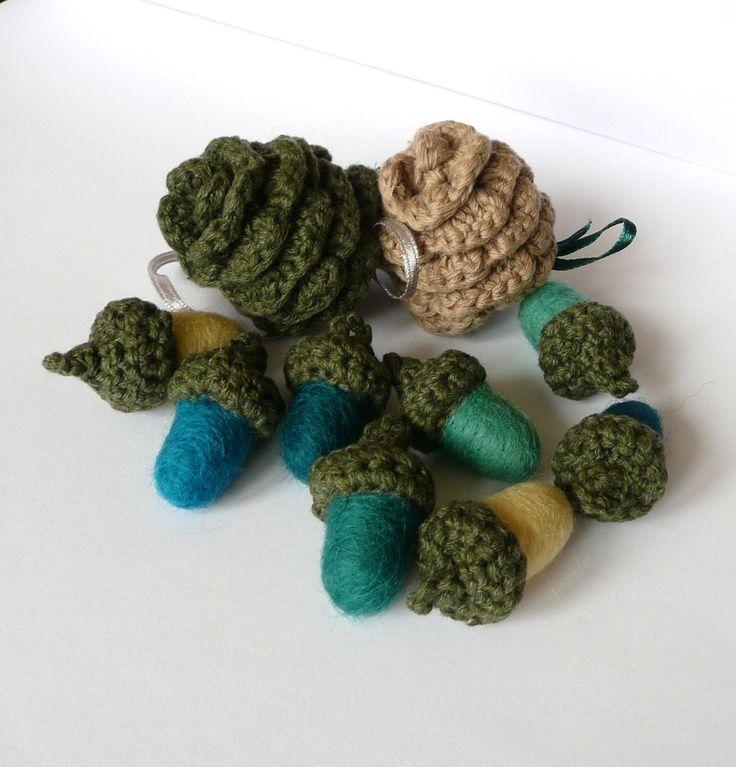 Pine Cone Knitting Pattern : Pin by Patricia Dalton on Crochet: Christmas Ornaments Pinterest
