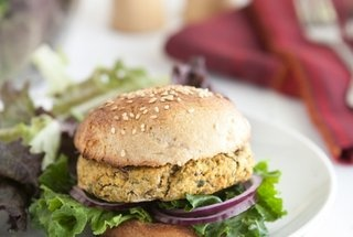 Chickpea and Spinach Burgers | main course/dinner | Pinterest