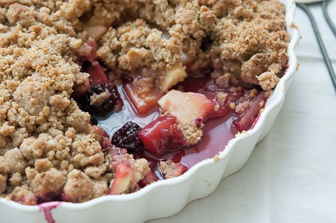 Vegan Apple and Blackberry Crumble from the Peaceful Plate - good ...