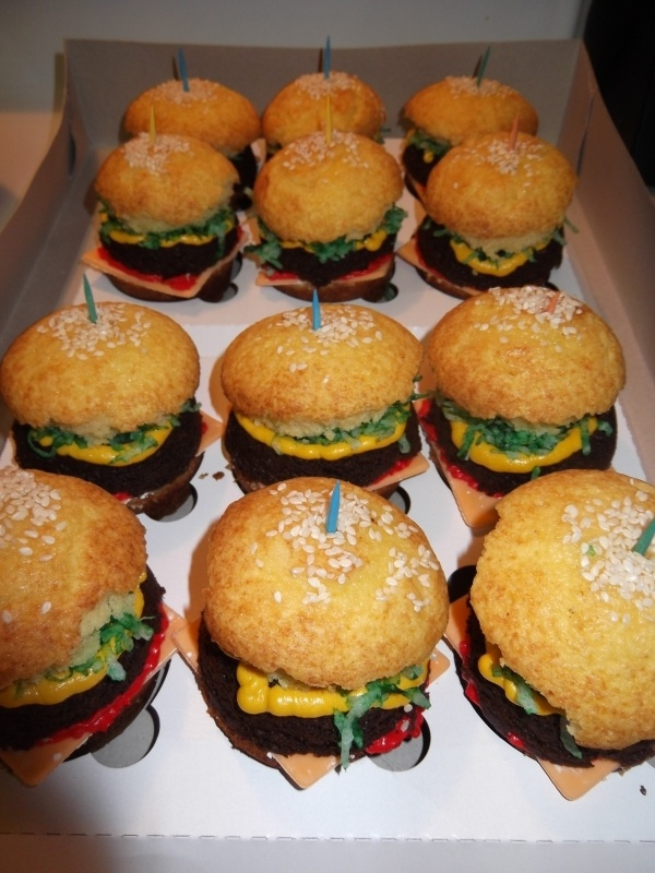 "Juicy Lucy"" Burger Cupcakes Recipes — Dishmaps"
