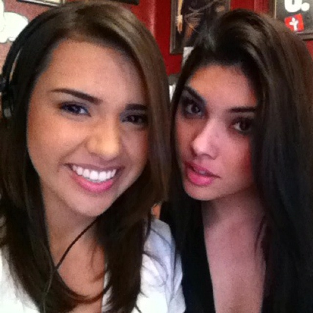 The Ashley and Lauren's show tonight at 7pm, speeshbeatsrecords.com come tune in and meet independent artist poetic force. And talk in chat with Ashley and Lauren:)