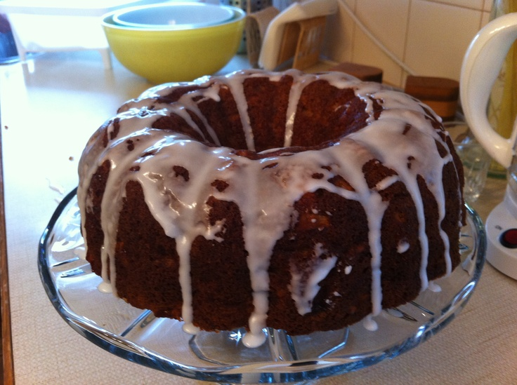 Apple Cinnamon Chip Bundt Cake | Recipe