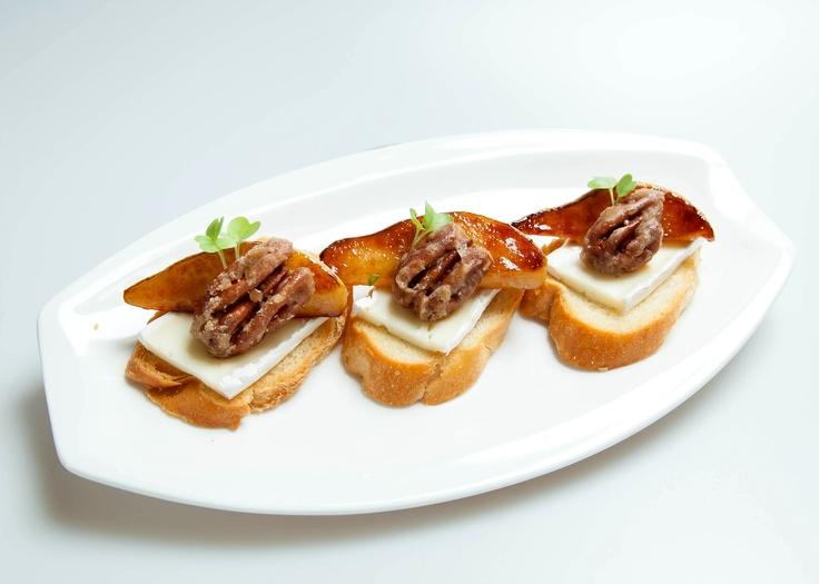 toast roasted pear gorgonzola and honey toast recipe yummly honey ...