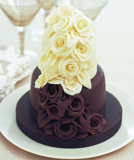 Beautiful Vanilla Cake Images : Pin by Emily Fox on I m going to get married one day ...