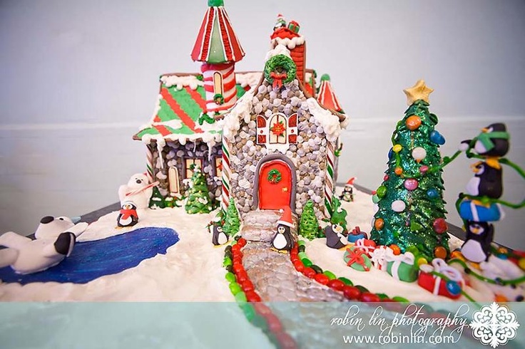 So cute! Another gingerbread house! | Cakes | Pinterest: pinterest.com/pin/12033123975908225