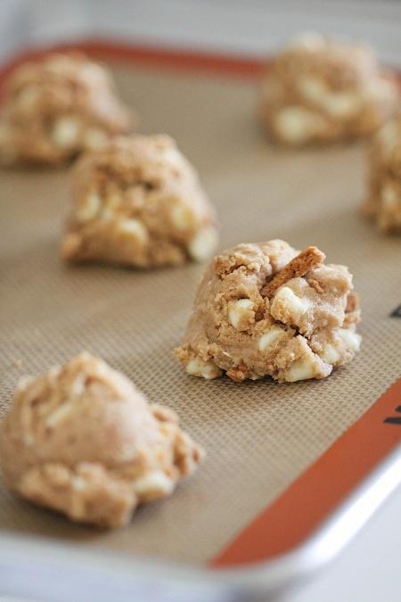 Biscoff Crunch White Chocolate Chip Cookies