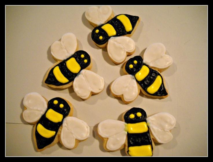 Super cute bumblebee cookies :) | Royal icing cookies | Pinterest