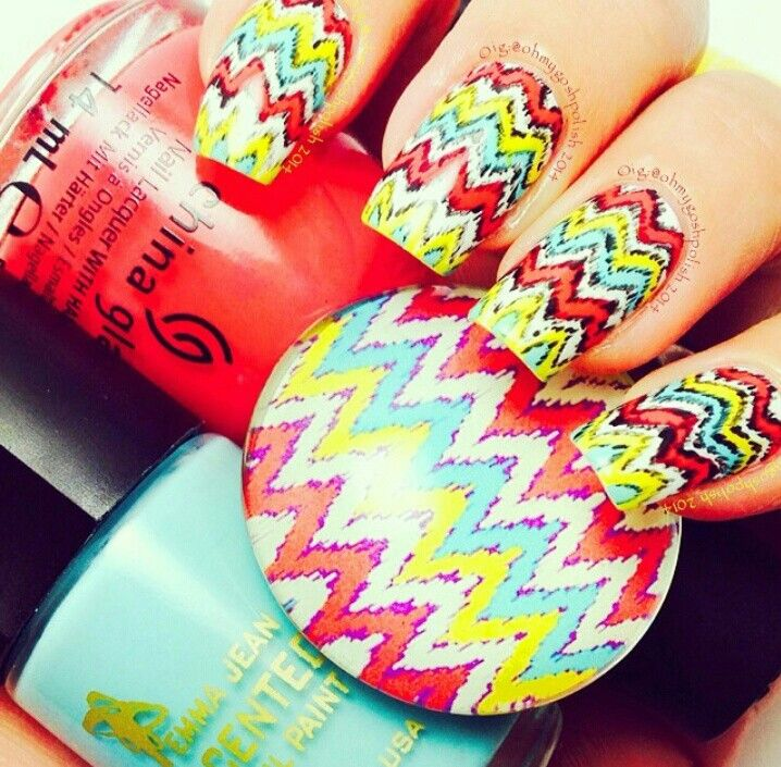 Zig Zag Nail Design | Nailed it | Pinterest