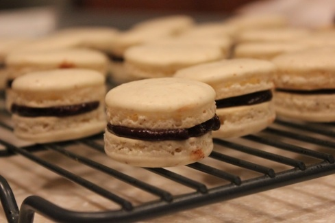 french macarons with chocolate ganache | desserts! | Pinterest