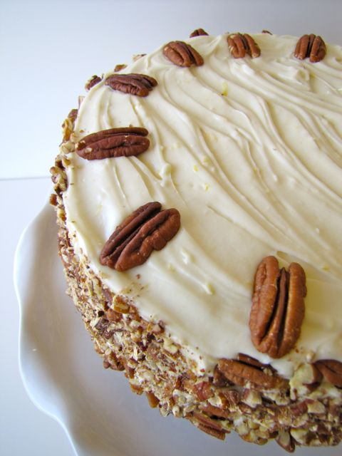 Hummingbird Cake.... Ive heard so much about this cake! .. here is the ...