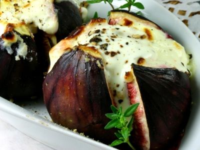 OMG! Baked Goat Cheese Stuffed Figs!!!
