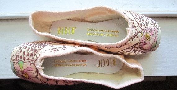 Mehndi pointe shoes.