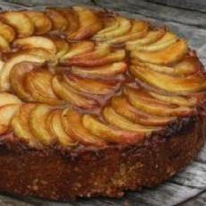 Apple-Almond Cheesecake | holiday theme food | Pinterest